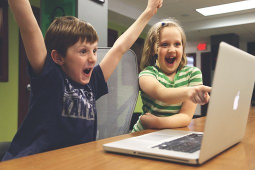 Kids_on_Computer_Celebrating.jpg
